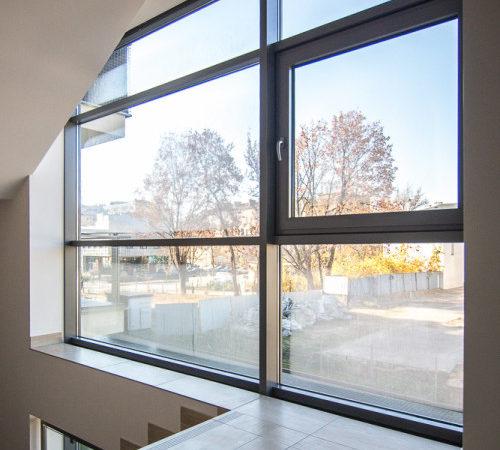 okna aluminiowe w mieszkaniu